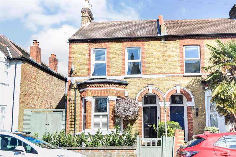 2 Bedrooms Flat for sale in Wilton Road, Colliers Wood
