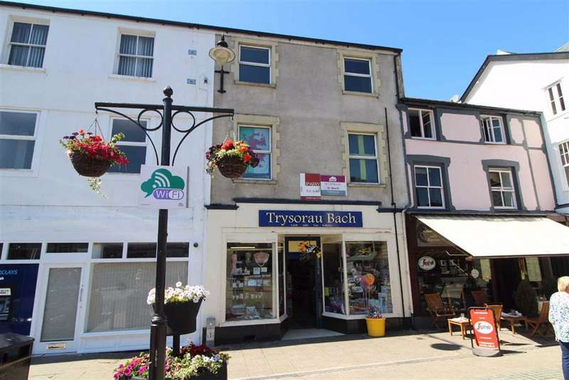 Terraced House for sale in Ancaster Square, Llanrwst, Conwy