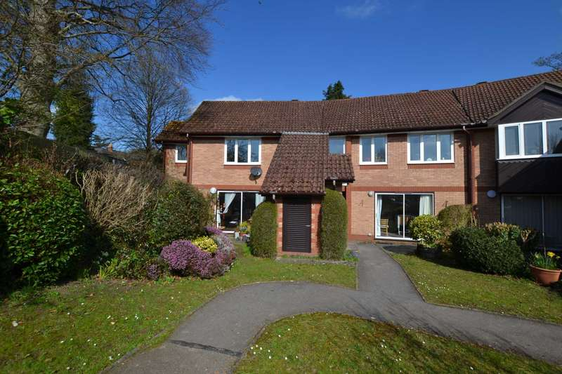 2 Bedrooms Apartment Flat for sale in Cloisters, Caversham