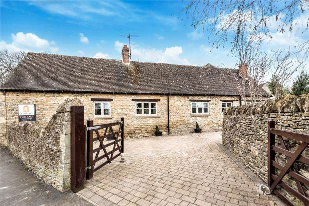 4 Bedrooms Barn Conversion Character Property for sale in Lawton Avenue, Carterton, Oxfordshire