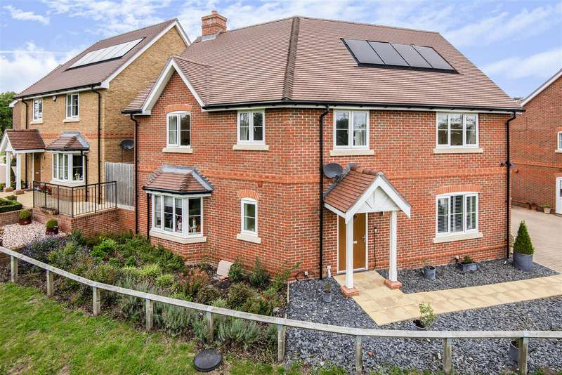 4 Bedrooms Detached House for sale in Villiers Close, Wokingham, Berkshire, RG41 4EP