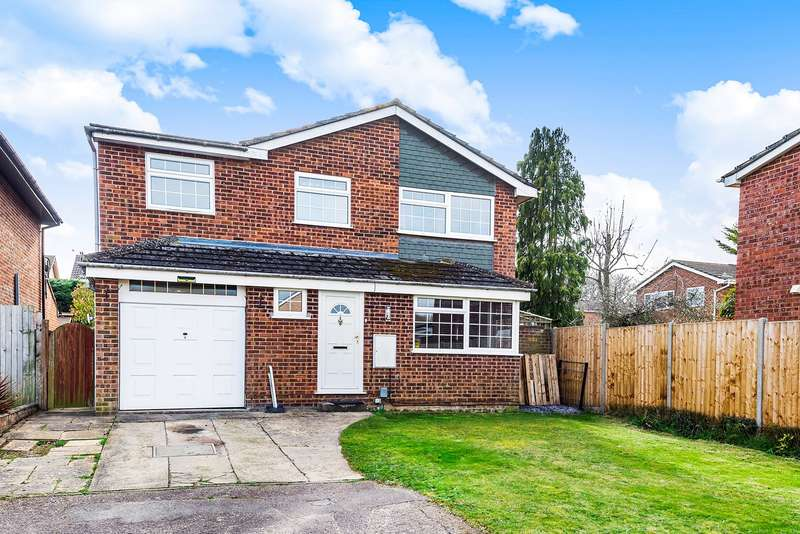 4 Bedrooms Detached House for sale in Byron Crescent, Flitwick, MK45