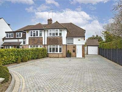 3 Bedrooms Semi Detached House for sale in Bishops Avenue, Elstree, Borehamwood