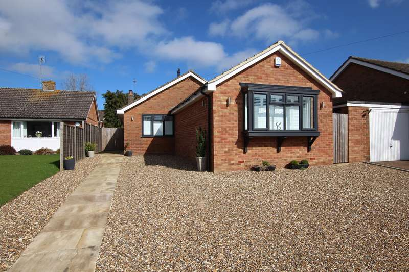 4 Bedrooms Bungalow for sale in High Street South, Stewkley