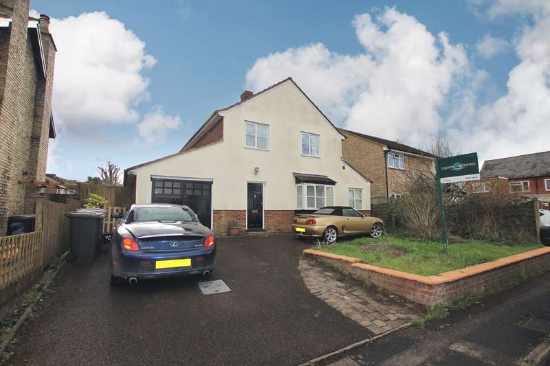 3 Bedrooms Detached House for sale in Pembroke Road, Baldock, SG7