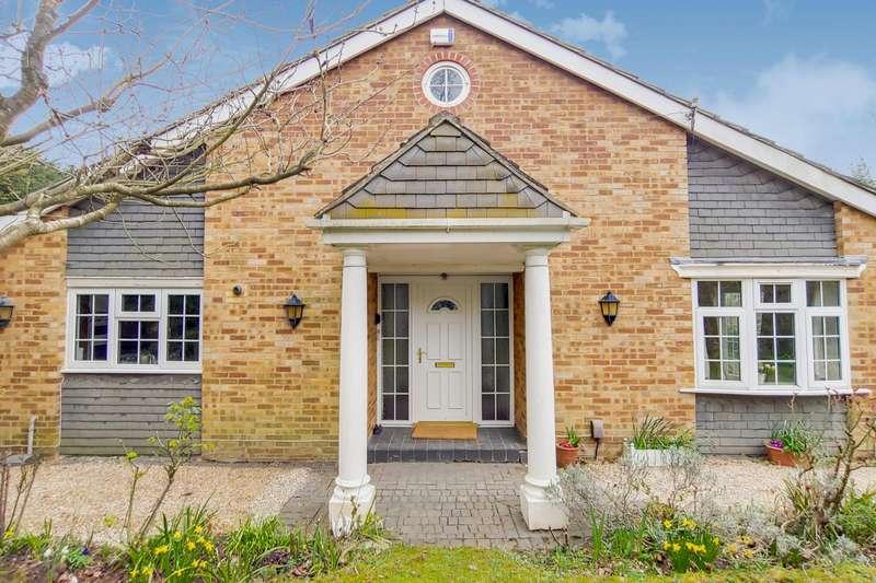 4 Bedrooms Detached Bungalow for sale in Downs Bridge Road, Beckenham, BR3
