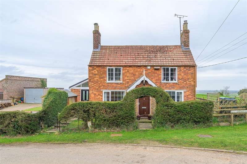 3 Bedrooms Cottage House for sale in Blacksmith Lane, East Keal, Spilsby