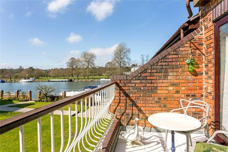 3 Bedrooms Terraced House for sale in Rivermead Court, Marlow Bridge Lane, Marlow, Buckinghamshire, SL7