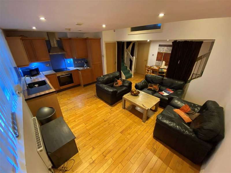 3 Bedrooms Flat for rent in Express Building, 5 Luna Street, Northern Quarter