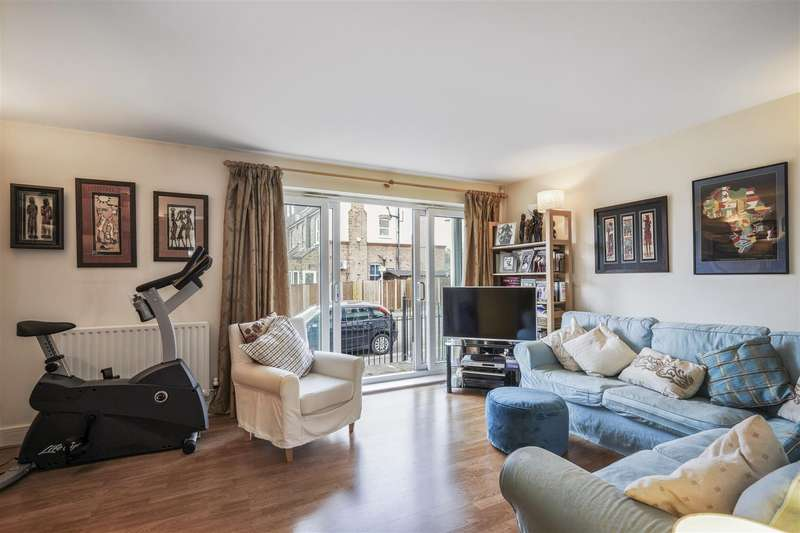 2 Bedrooms Maisonette Flat for sale in Worple Road, West Wimbledon