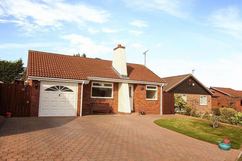 3 Bedrooms Detached Bungalow for sale in Hatfield Drive, Seghill, Cramlington