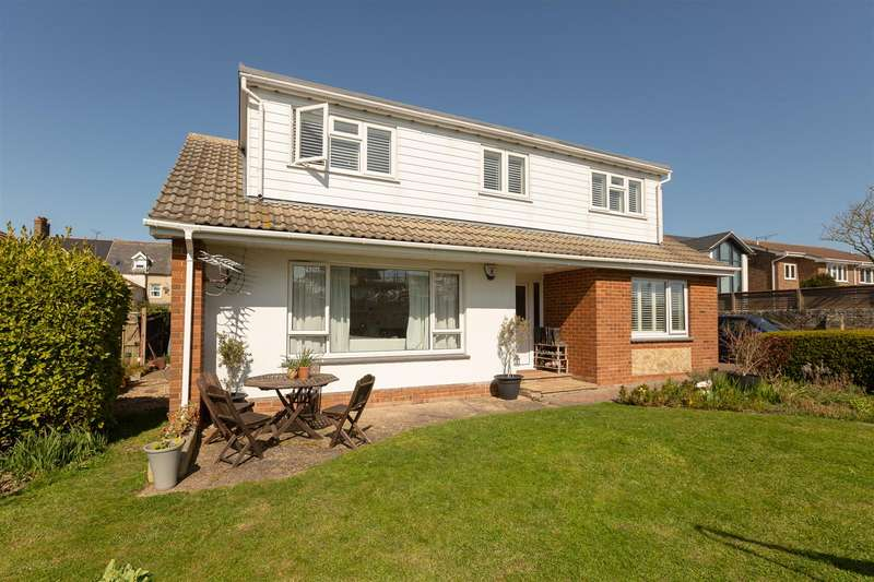 4 Bedrooms Chalet House for sale in Canterbury Road, Westgate-On-Sea