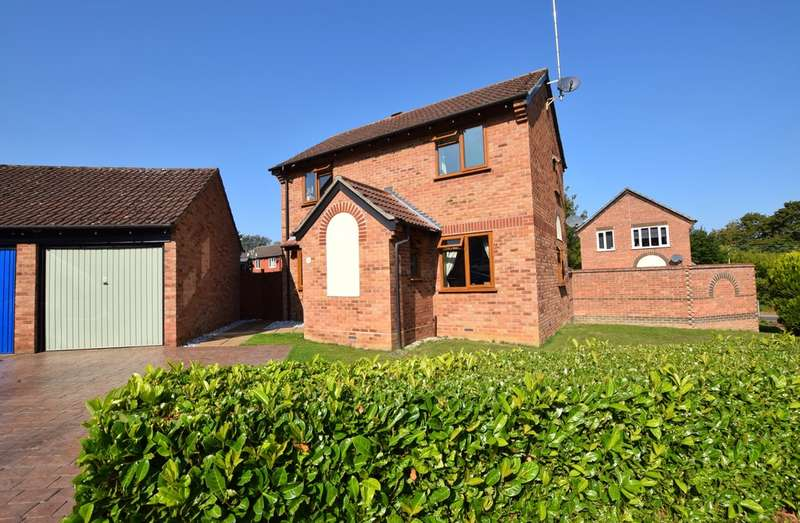 3 Bedrooms Detached House for sale in Old Rope Walk, Haverhill