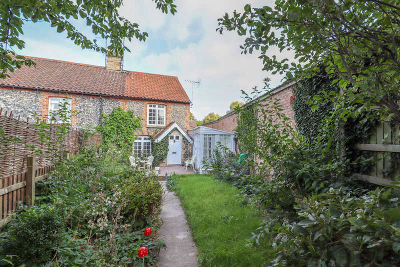 2 Bedrooms Cottage House for sale in Oxford Street, Exning