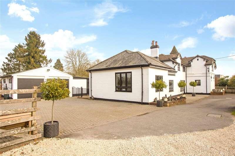 4 Bedrooms Detached House for sale in Weyhill Road, Weyhill, Andover, Hampshire, SP11