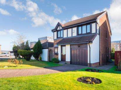 3 Bedrooms Detached House for sale in Battery Park Avenue, Gourock