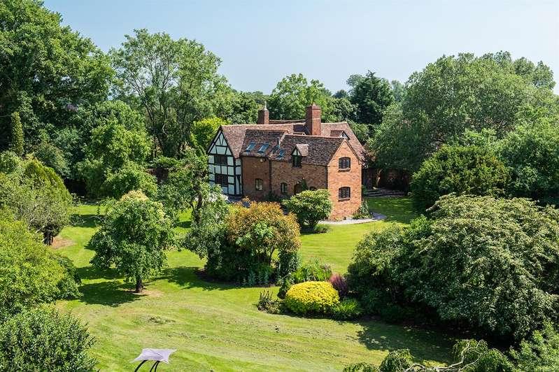 5 Bedrooms Detached House for sale in Breach Lane, Claverdon, Warwick, Warwickshire