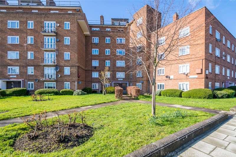 2 Bedrooms Apartment Flat for sale in Swinburne Court, Basingdon Way, London, SE5