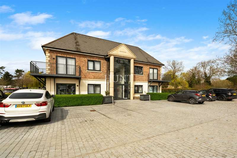 1 Bedroom Apartment Flat for rent in Woolston Manor,Abridge Road, Chigwell