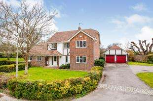 4 Bedrooms Detached House for sale in Old Barn Close, Brook Street, Tonbridge, Kent