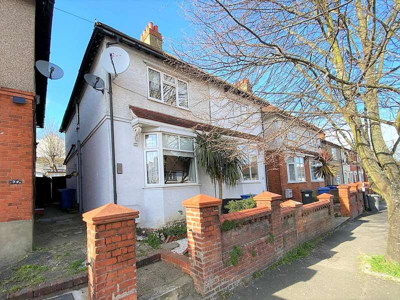 3 Bedrooms Semi Detached House for sale in Clare Road, Maidenhead, Berkshire, SL6