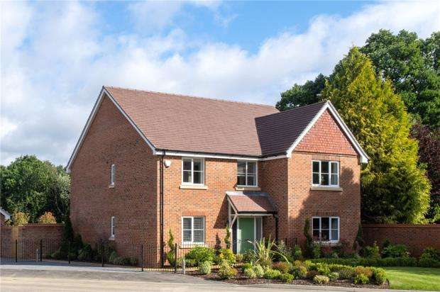 5 Bedrooms Detached House for sale in The Collection, Burghfield Common, Reading