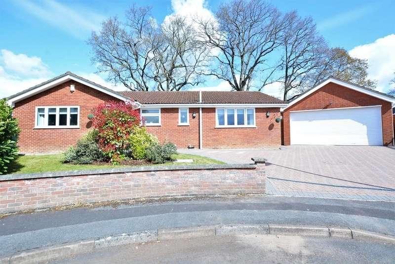 3 Bedrooms Detached Bungalow for sale in Lancaster Drive, Verwood