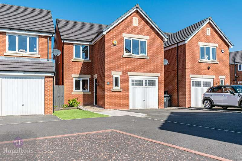 4 Bedrooms Detached House for sale in Beckfield Close, Pennington, Leigh, Greater Manchester. WN7 3RA