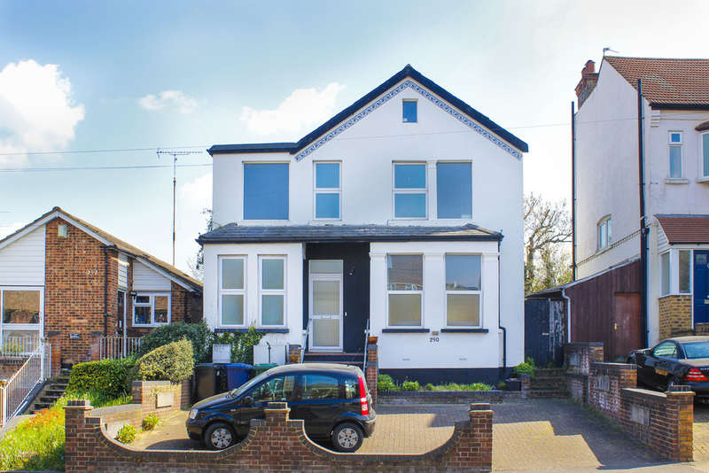 4 Bedrooms Detached House for sale in Colney Hatch Lane, London