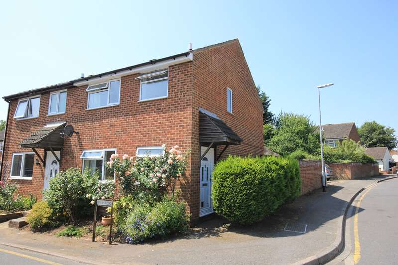 3 Bedrooms Semi Detached House for rent in Coniston Road, Flitwick, MK45