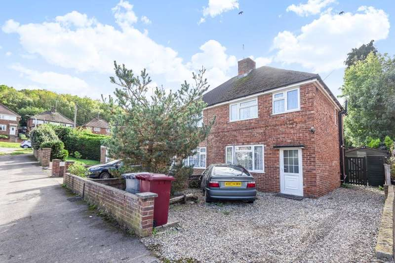 3 Bedrooms Semi Detached House for sale in Reading, Berkshire, RG30