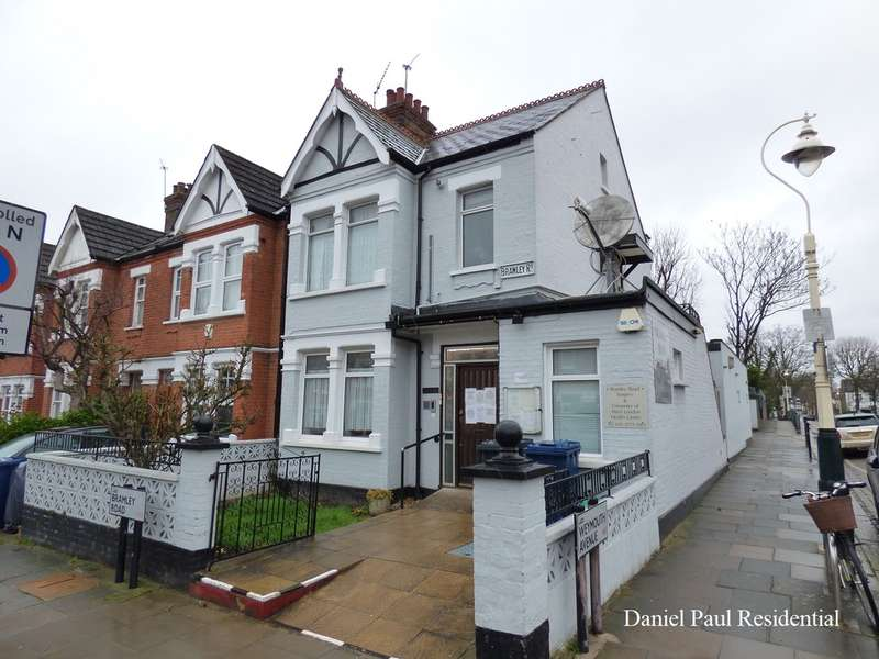2 Bedrooms Flat for sale in Bramley Road