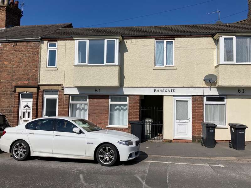 3 Bedrooms Terraced House for sale in Ramsgate, Louth, LN11 0NG