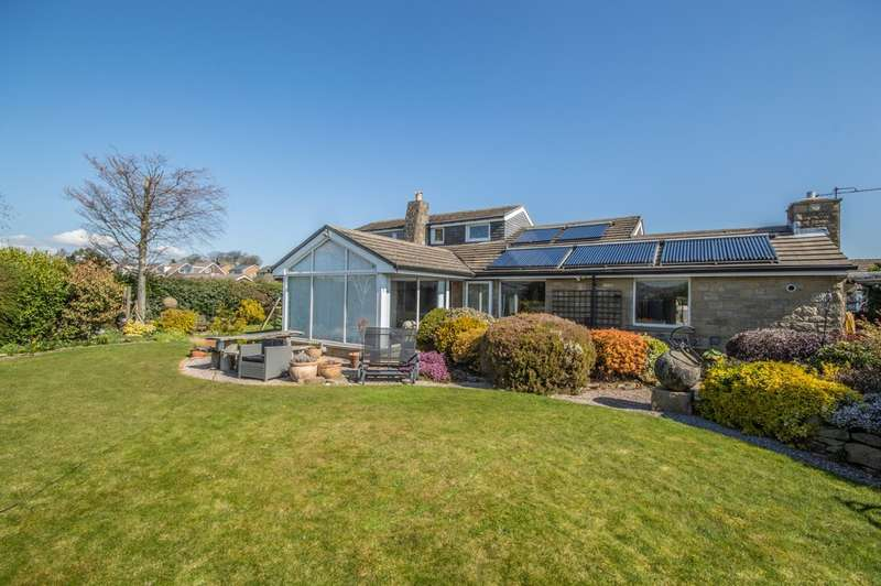 6 Bedrooms Detached House for sale in Hill Close, Huddersfield