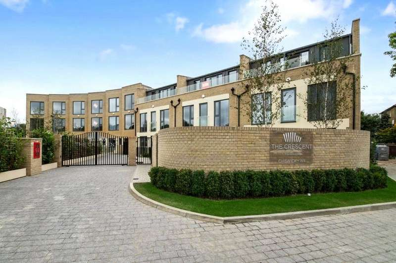4 Bedrooms Terraced House for rent in Gunnersbury Mews, Chiswick, London, W4