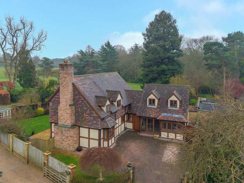 4 Bedrooms Detached House for sale in Keepers Lodge, Watford Heath