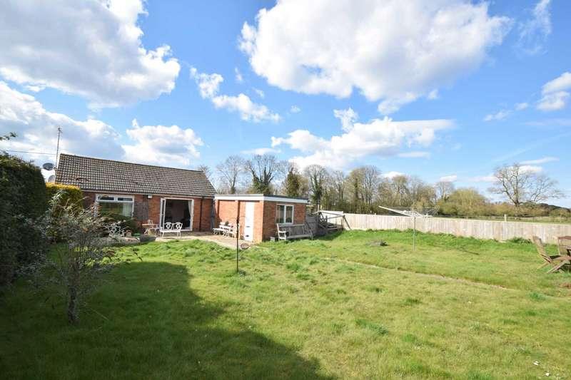 3 Bedrooms Detached Bungalow for sale in Shirburn Road, Watlington