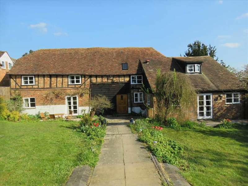 5 Bedrooms Detached House for sale in Coach House, Church End, Hockliffe