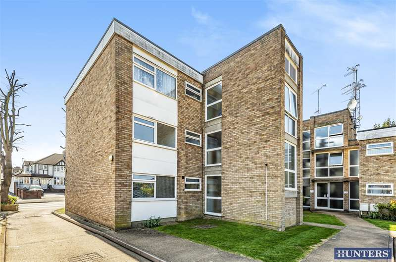 1 Bedroom Flat for sale in Upminster Road, Hornchurch, RM11 3XP