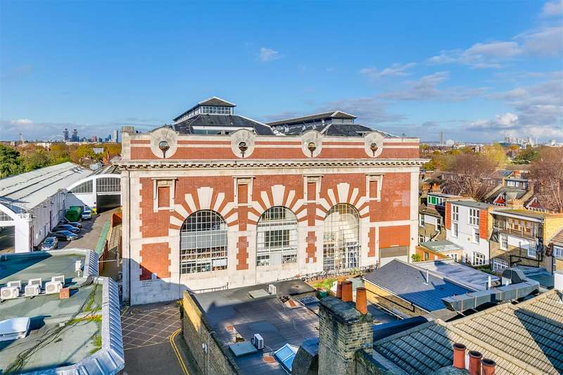 4 Bedrooms Flat for sale in The Power House, Chiswick High Road, W4