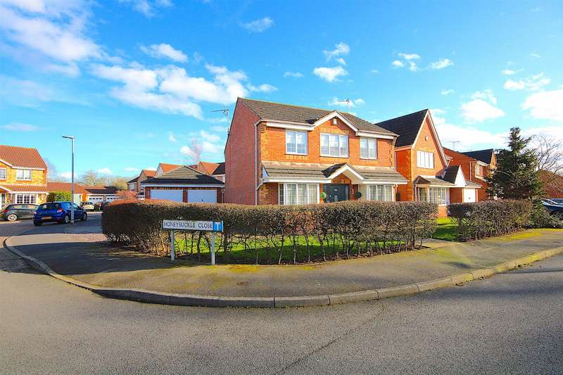 4 Bedrooms Detached House for sale in Lilac Way, East Goscote