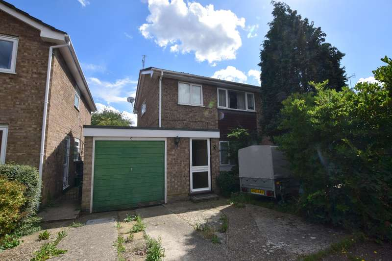 4 Bedrooms Terraced House for rent in St Davids Close