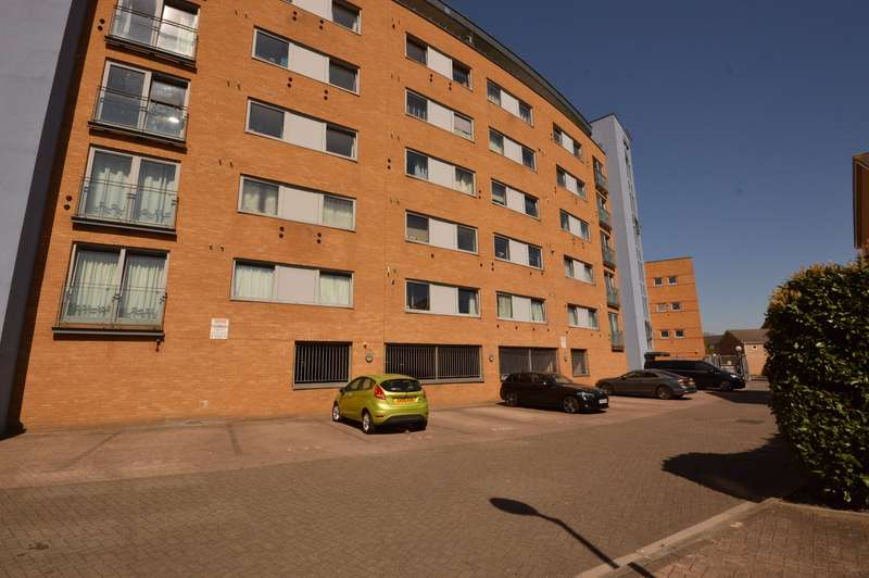 2 Bedrooms Apartment Flat for sale in Tideslea Path, London, SE28