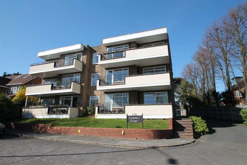 2 Bedrooms Flat for sale in Aldermans Hill, Palmers Green, London