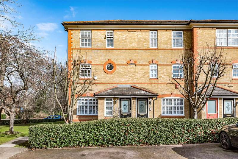 2 Bedrooms Maisonette Flat for sale in Anderson Close, Winchmore Hill, London, N21