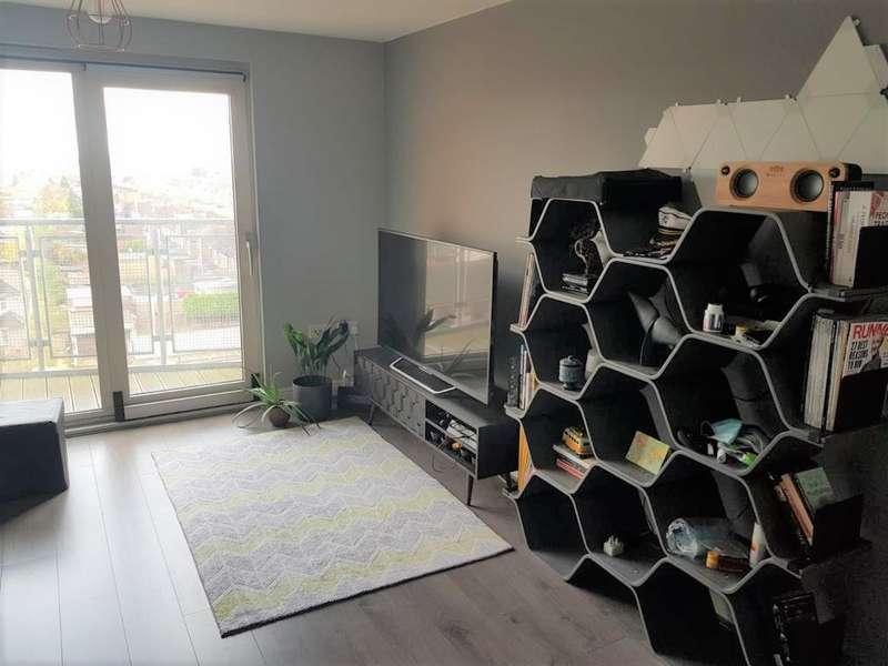 2 Bedrooms Flat for rent in Eastern Avenue, Gants Hill, IG2