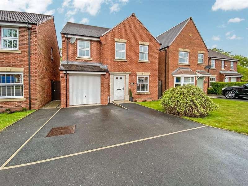 4 Bedrooms Detached House for sale in Parish Gardens, Leyland