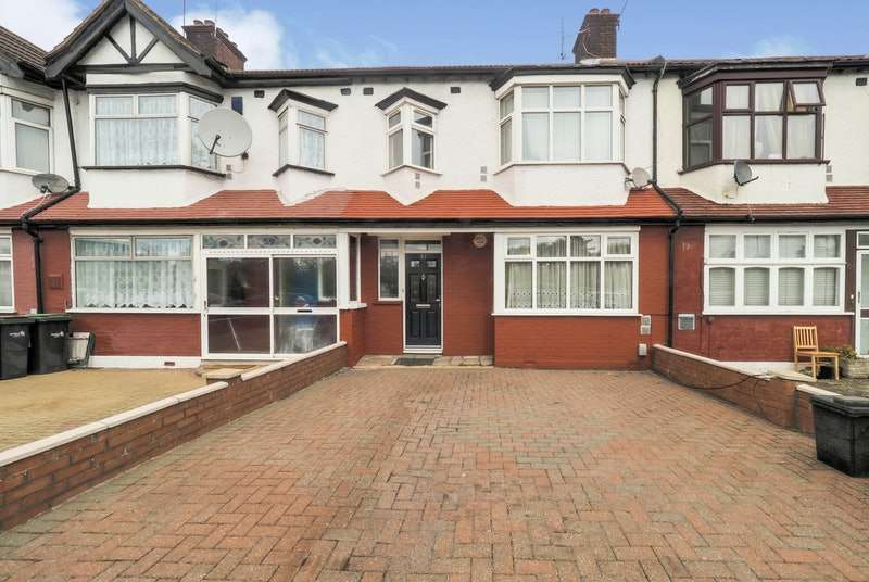 3 Bedrooms Terraced House for sale in North Circular Road, London, London, N13