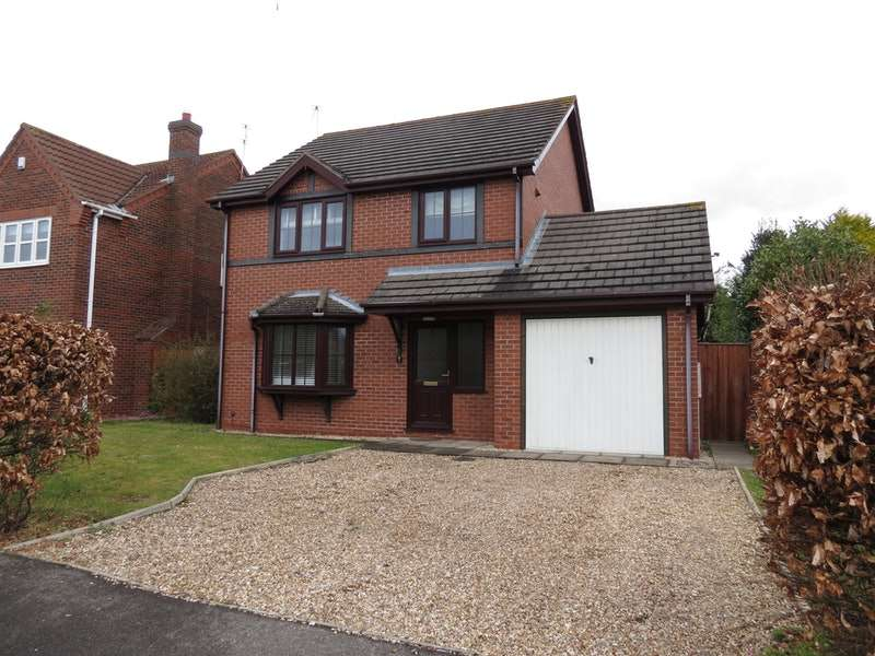 3 Bedrooms Detached House for sale in St. Andrews Walk, Woodhall Spa, Lincolnshire, LN10