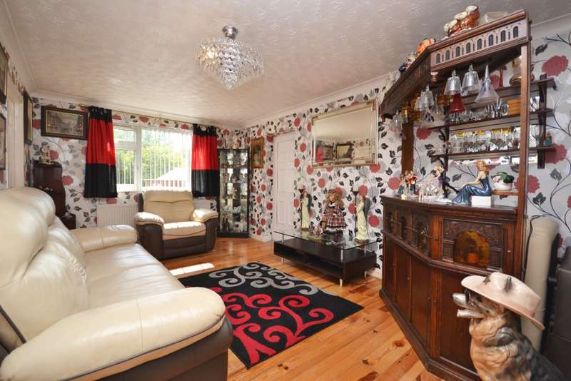 3 Bedrooms Bungalow for sale in Durham Street, Whelley, Wigan, WN1 3YQ